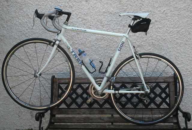 Vintage Trek 1200 aluminum road bike